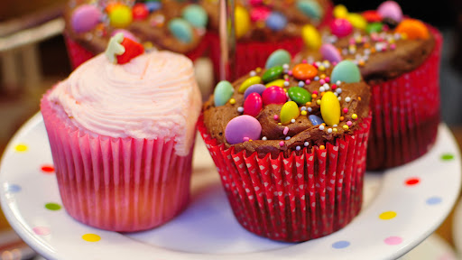 Some Great Benefits Of Birthday Cake Delivery